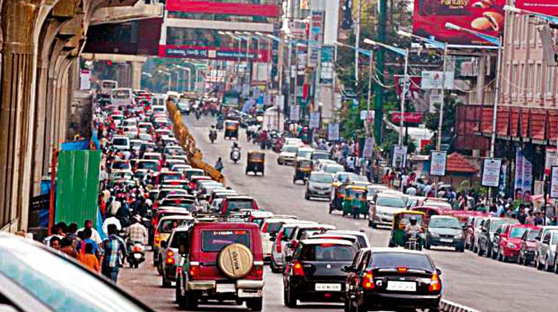 BEst road street for shopping and drinking and partying brigade road and mg road
