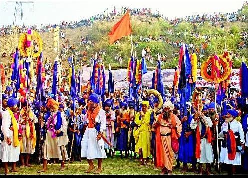 Hola-Mohalla-Festival holi in Anandpur Sahib, Punjab 2017 best holi celebrations ever