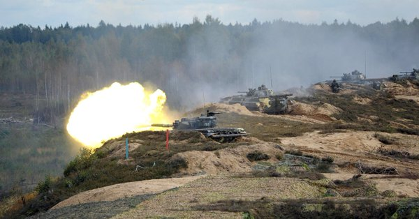 Russian troops on tanks in the NATO - Zapad