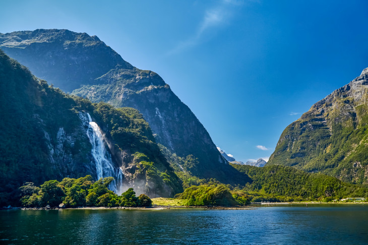 Bowen Falls, Milford Sound, Fiordland National Park, Southland, New Zealand